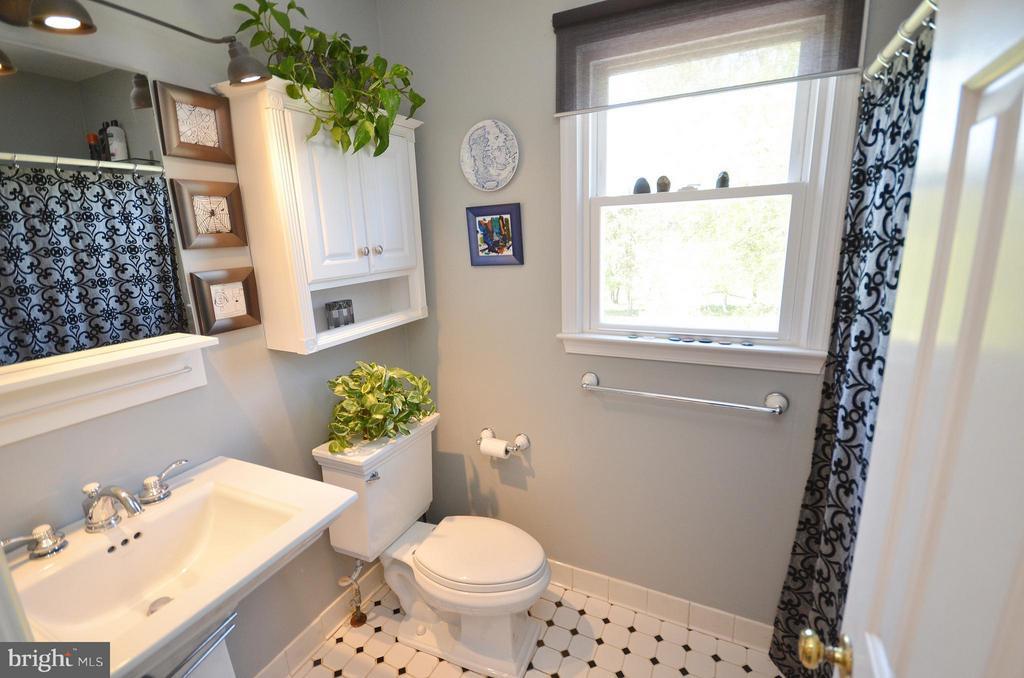 Master Bathroom - 14490 LIGHTNER RD, HAYMARKET