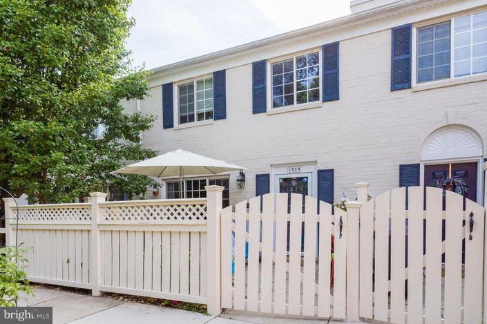 Single Family for Sale at 1529 Van Dorn St Alexandria, Virginia 22304 United States