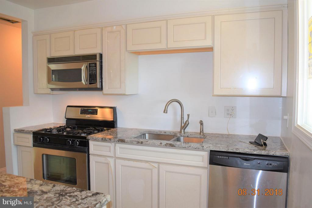 Kitchen - 516 70TH PL, CAPITOL HEIGHTS