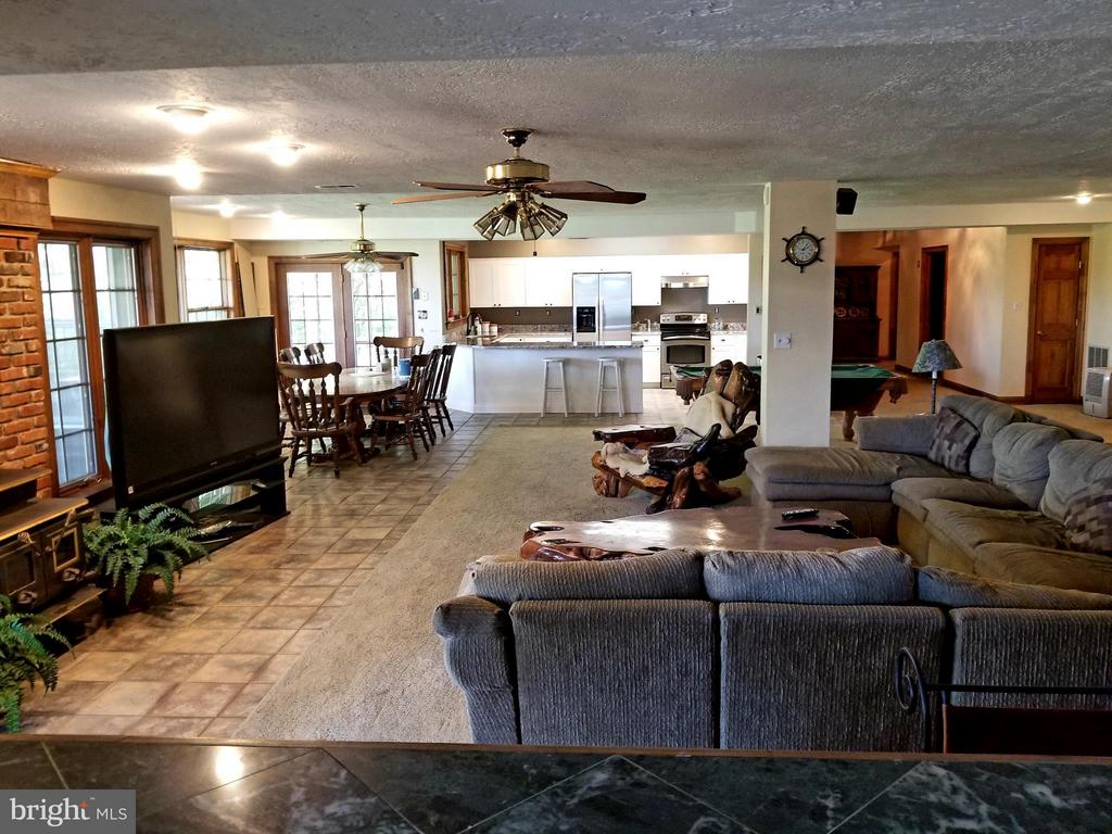Lower Level Family Room with Renovated Kitchen - 2808 DEEPWATER TRL, EDGEWATER