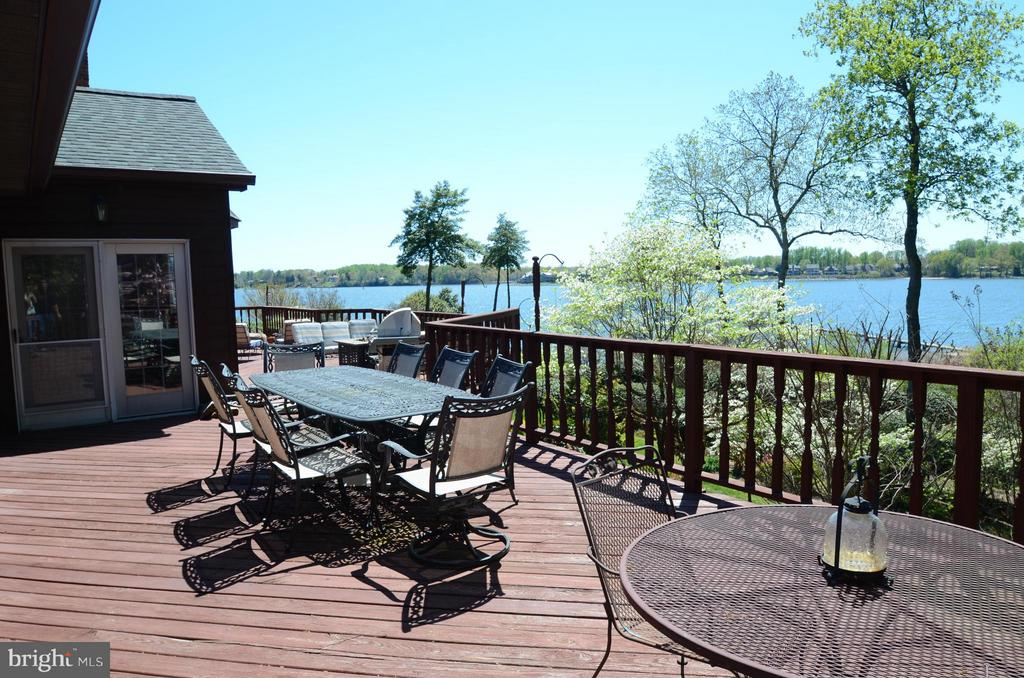 Wrap-around deck with views of the South River - 2808 DEEPWATER TRL, EDGEWATER