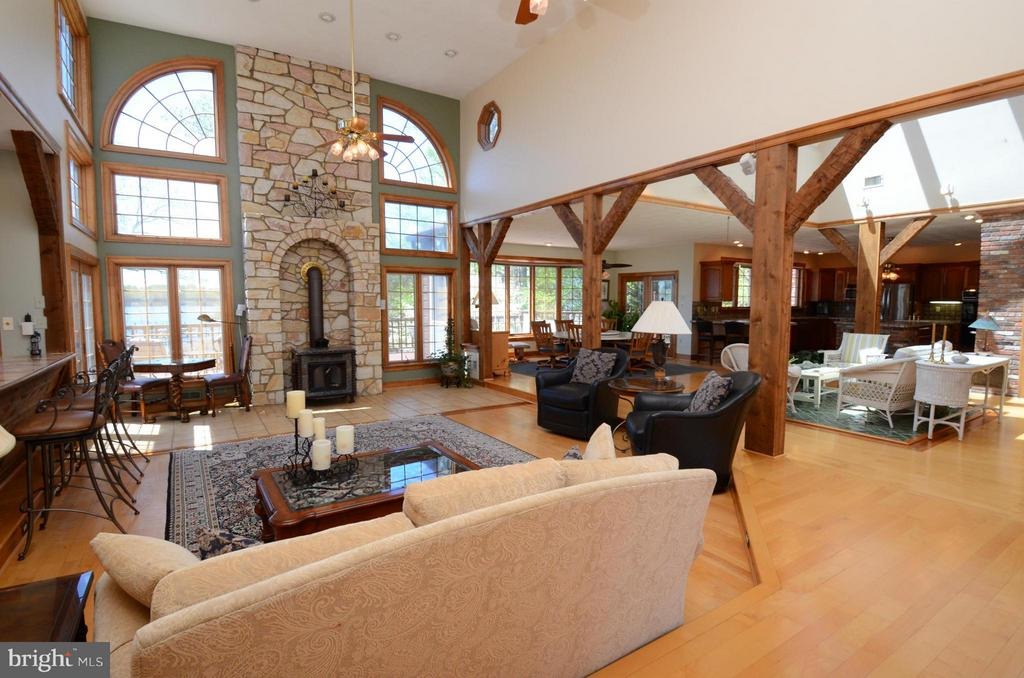 Cathedral ceilings and hardwood in family room - 2808 DEEPWATER TRL, EDGEWATER