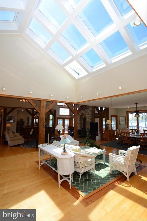 Sunny Atrium with hardwood floors - 2808 DEEPWATER TRL, EDGEWATER