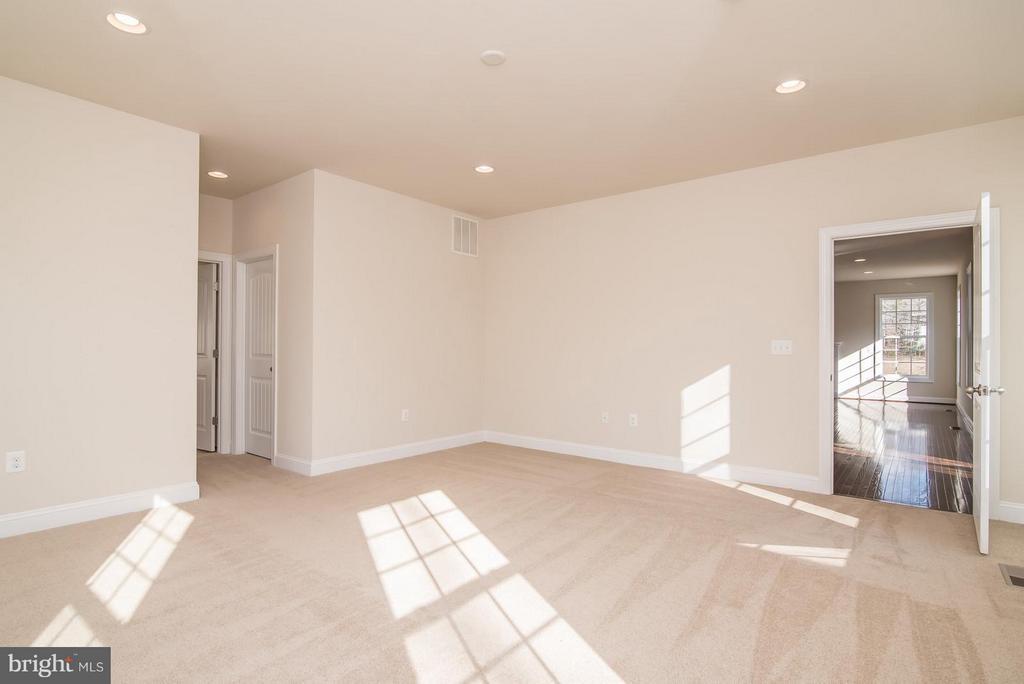 Bedroom (Master) - 72 LOCKSLEY LN, FREDERICKSBURG