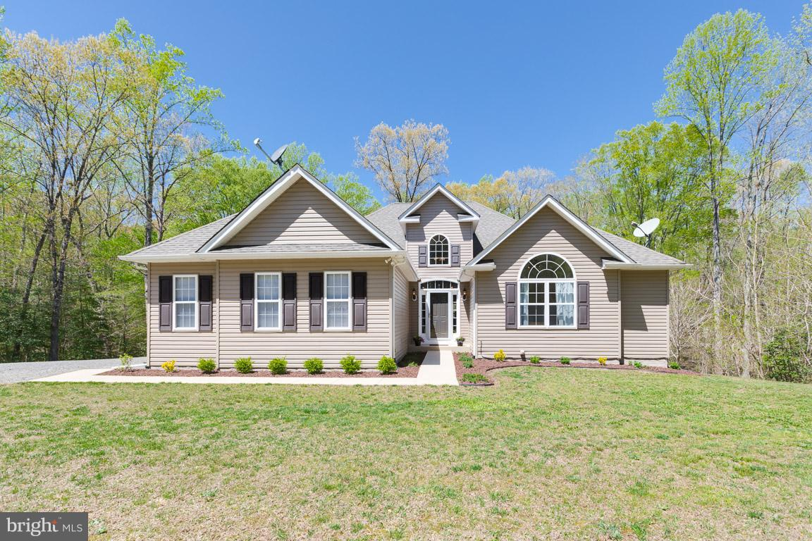Single Family for Sale at 10365 Tayloes Neck Rd Nanjemoy, Maryland 20662 United States