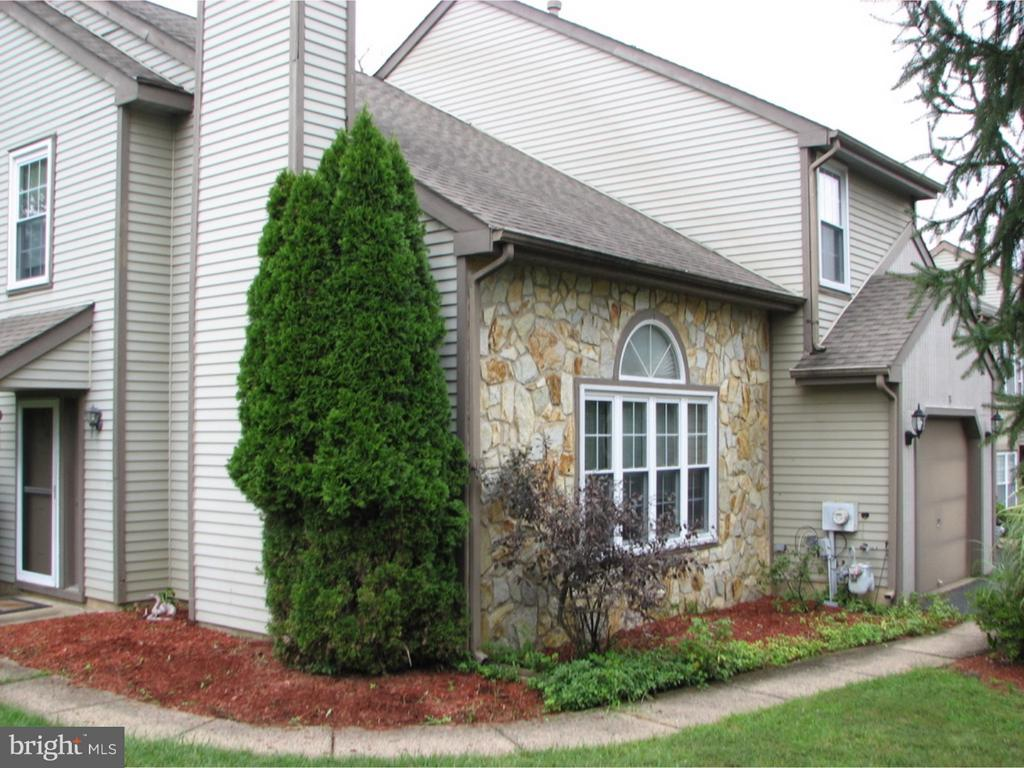 31  LAUREL CIRCLE, Newtown in BUCKS County, PA 18940 Home for Sale