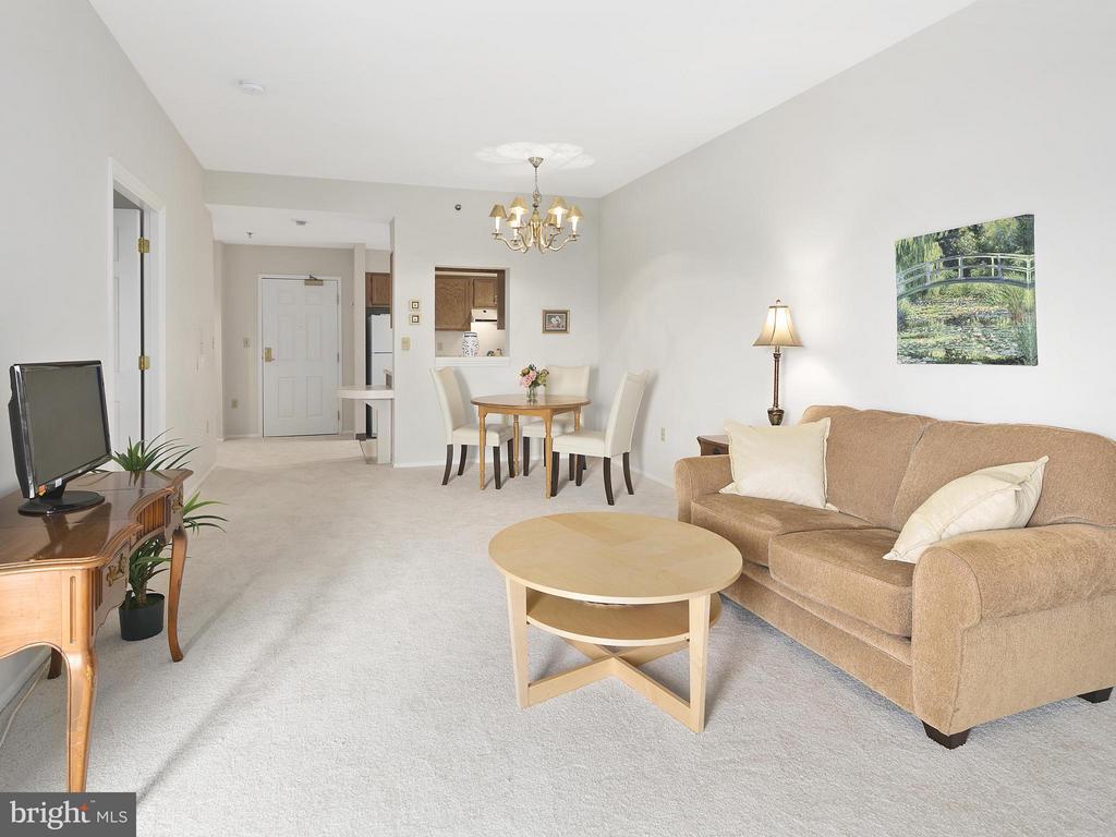 Living Room - 900 TAYLOR ST #2110, ARLINGTON