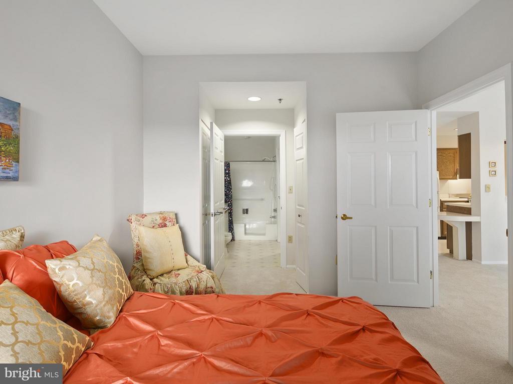 Bedroom (Master) - 900 TAYLOR ST #2110, ARLINGTON