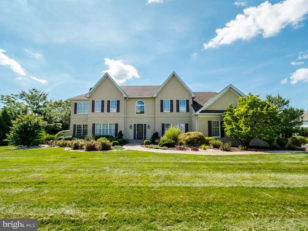 1705  GRANDVIEW DRIVE, Newtown in BUCKS County, PA 18940 Home for Sale