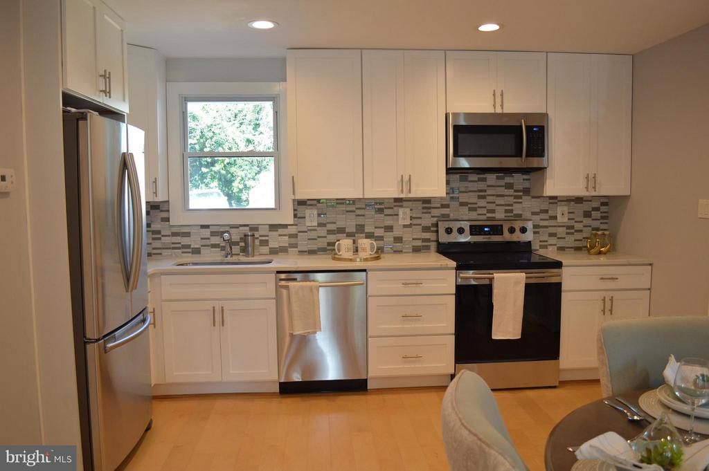 Kitchen - 816 51ST ST NE, WASHINGTON