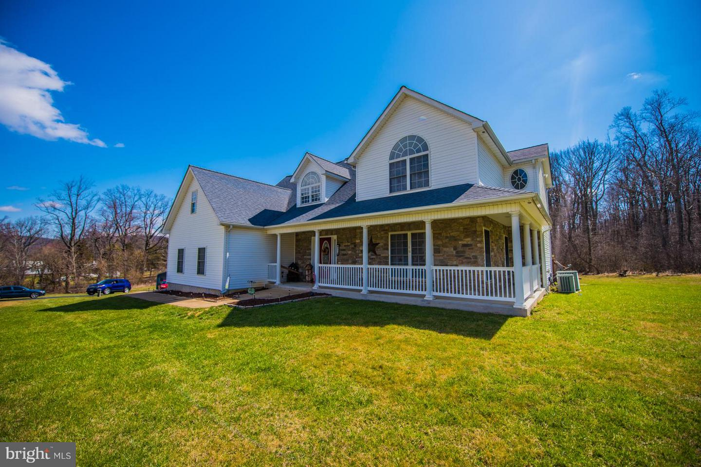 Single Family for Sale at 91 Chester Gap Rd Chester Gap, Virginia 22623 United States