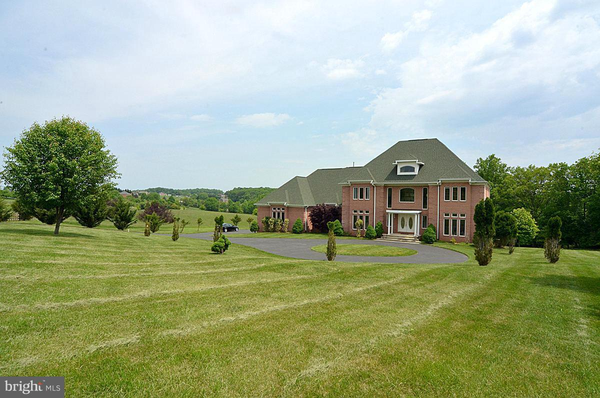 Single Family for Sale at 21001 Sugar Ridge Ter Boyds, Maryland 20841 United States