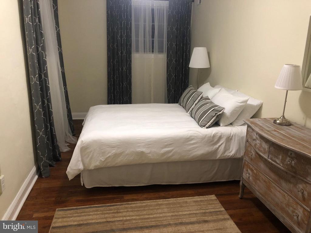 Lower Apt Bedroom #1 - 15 NEWMAN, ANNAPOLIS