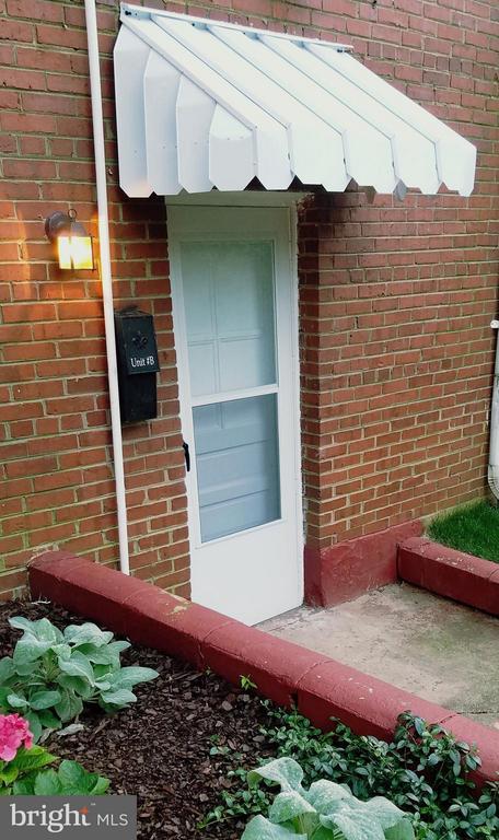 Lower Apt Side Entrance - 15 NEWMAN, ANNAPOLIS