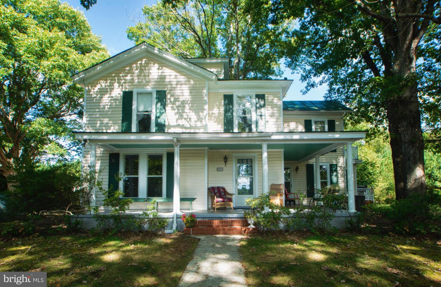 Photo of home for sale at 5912 Fredericks Hall Road, Mineral VA