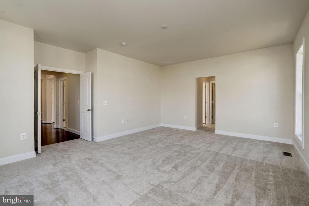 Bedroom (Master) - 11705 QUAIL RUN CT, SPOTSYLVANIA