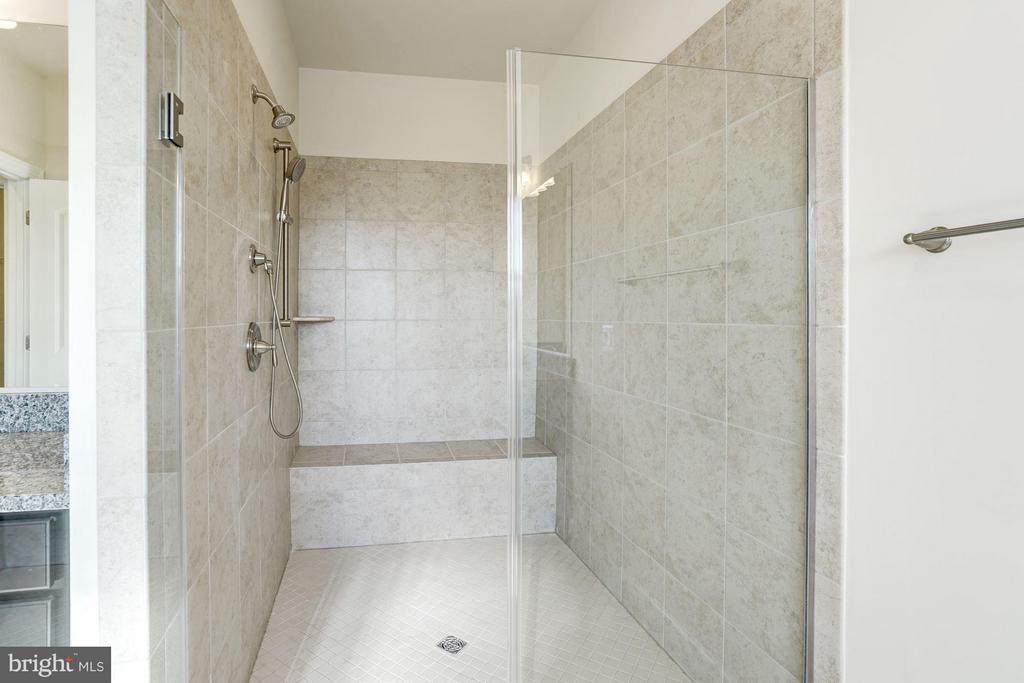 Bath (Master) - 11705 QUAIL RUN CT, SPOTSYLVANIA