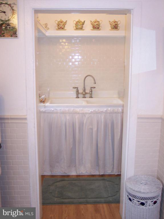UPDATED PLUMBING, WELL PUMP, & WATER HEATER - 7814 ROCKY SPRINGS RD, FREDERICK