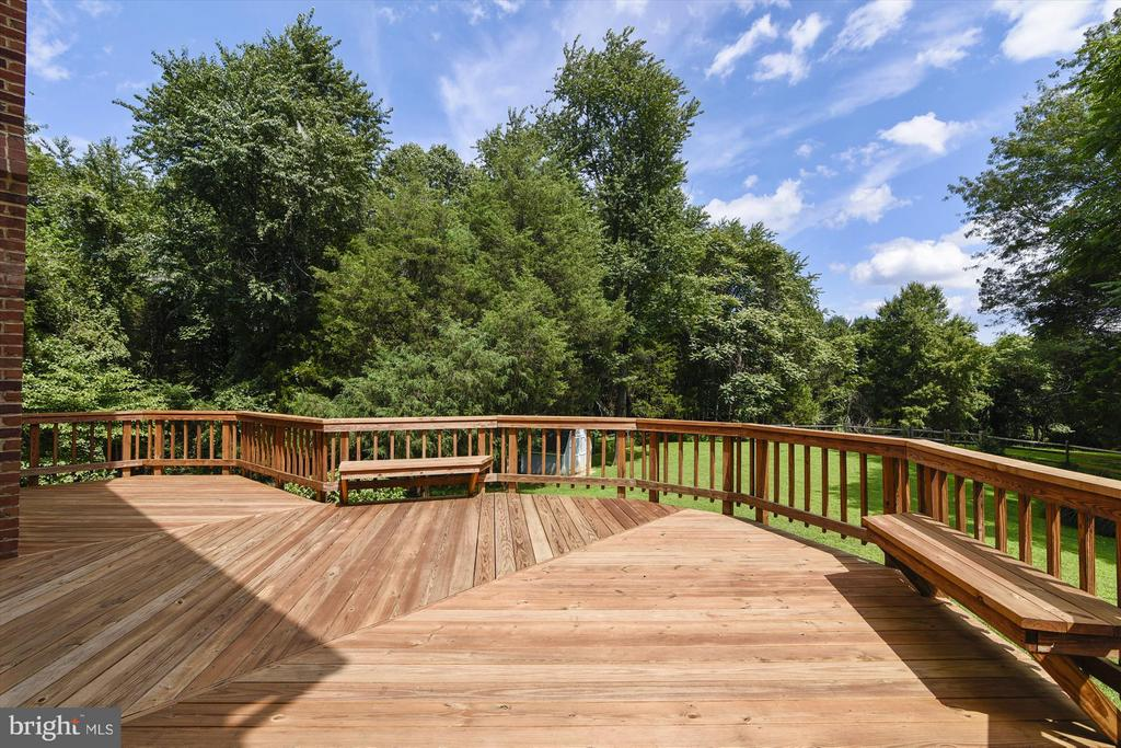 Exterior (Rear) deck and view of yard - 1515 WINDSTONE DR, VIENNA