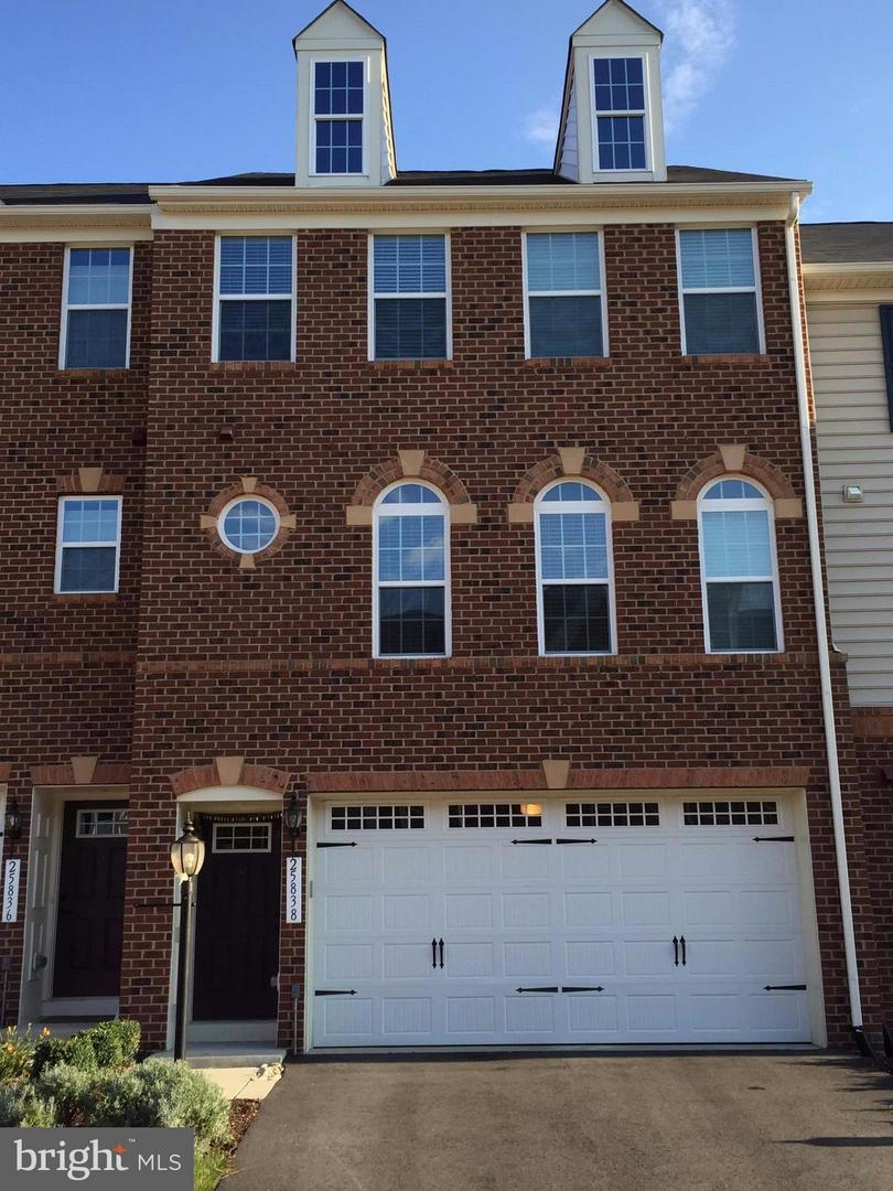 Other Residential for Rent at 25838 Clairmont Manor Sq Aldie, Virginia 20105 United States