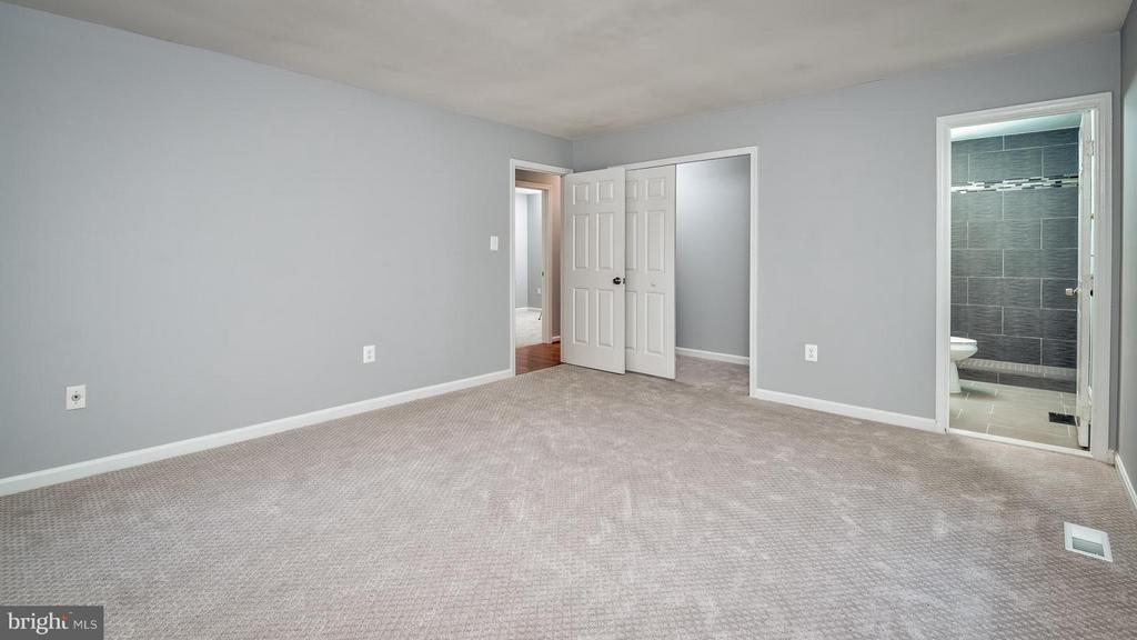 Bedroom (Master) - 4606 CALAIS ST, OXON HILL