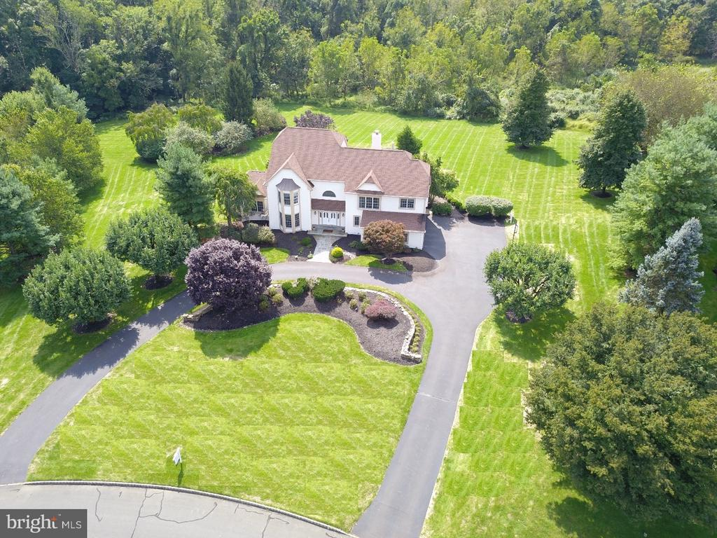 16  COLTS NECK DRIVE, Newtown in BUCKS County, PA 18940 Home for Sale
