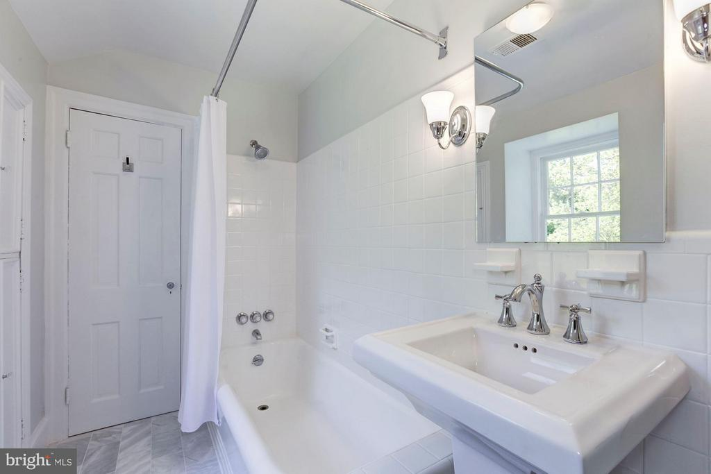 New Bath in Guest House 1 - 9325 BELLE TERRE WAY, POTOMAC