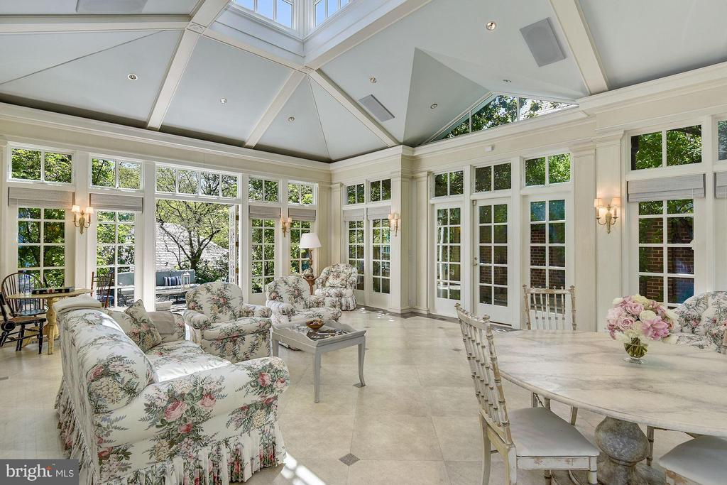 Grand Conservatory with walkout to garden - 2727 34TH PL NW, WASHINGTON
