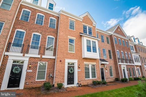 Property for sale at 414 Haupt Sq Se, Leesburg,  VA 20175