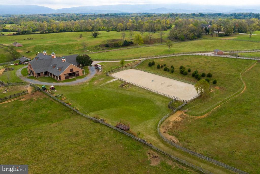 Aerial picture with outdoor arena - 6586 JOHN MOSBY HWY, BOYCE
