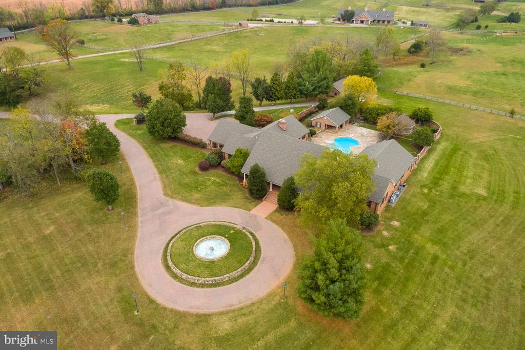 Aerial picture of manor - 6586 JOHN MOSBY HWY, BOYCE