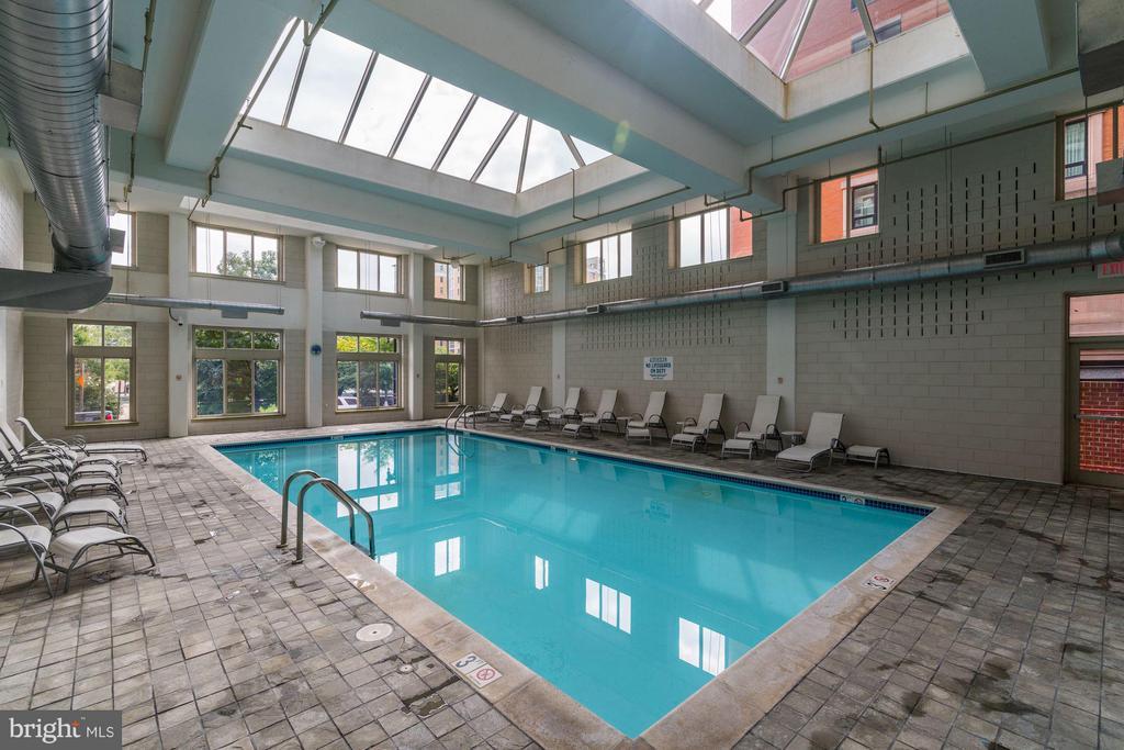 Indoor Pool - 1000 NEW JERSEY AVE SE #1115, WASHINGTON