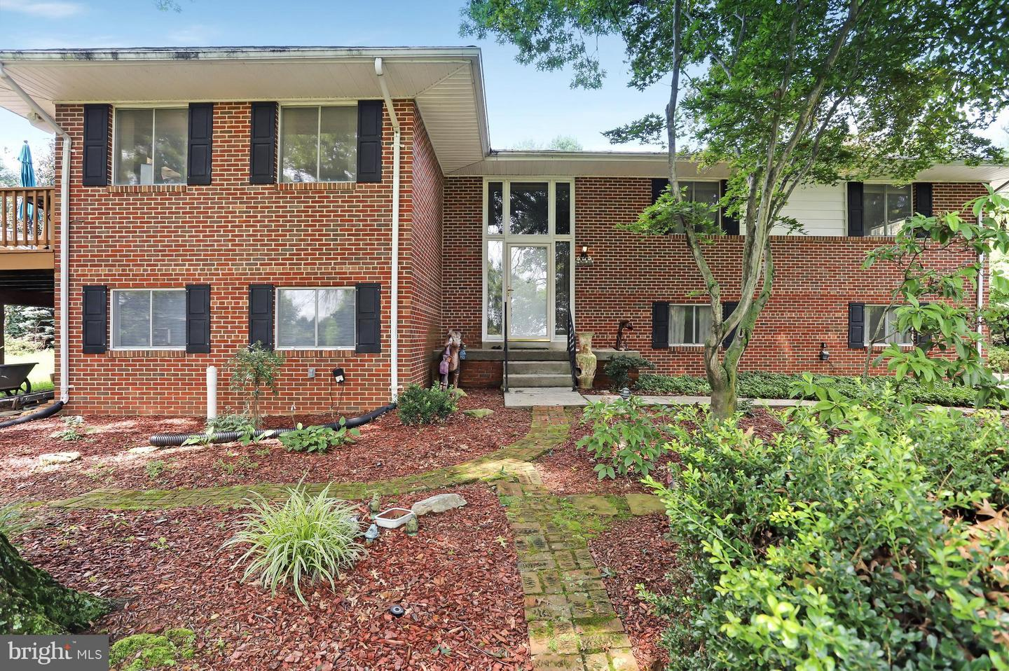Single Family for Sale at 470 Shade Tree Ln Shenandoah Junction, West Virginia 25442 United States
