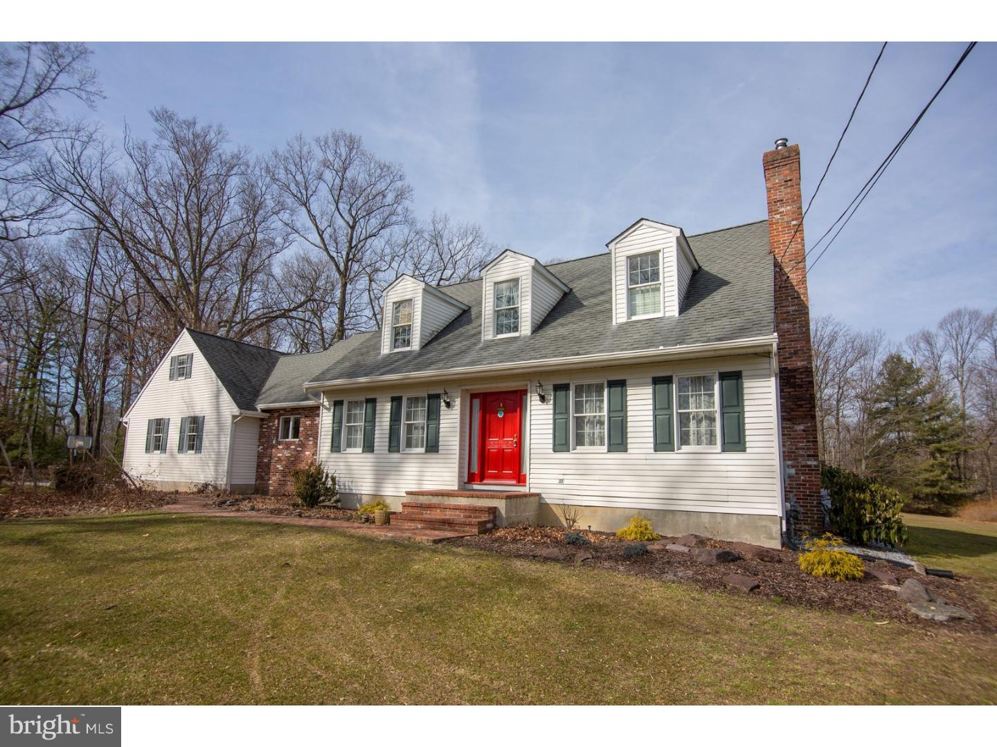 Photo of home for sale at 951 Cox Road, Moorestown NJ