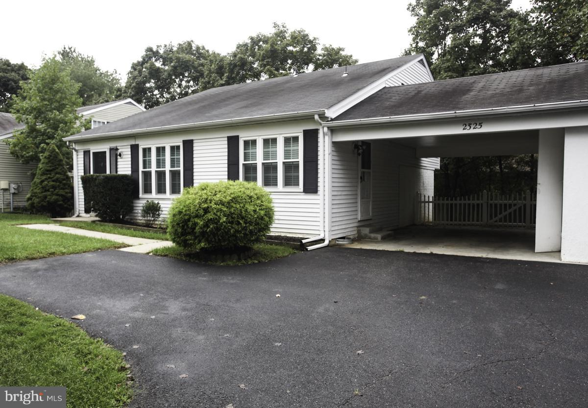 Photo of home for sale at 2325 Weymouth Lane, Crofton MD