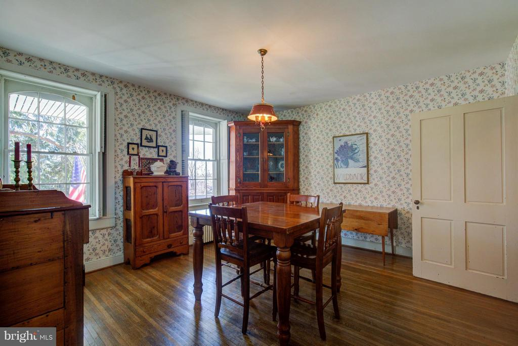Breakfast Room Off Kitchen - 514 AMHERST ST, WINCHESTER