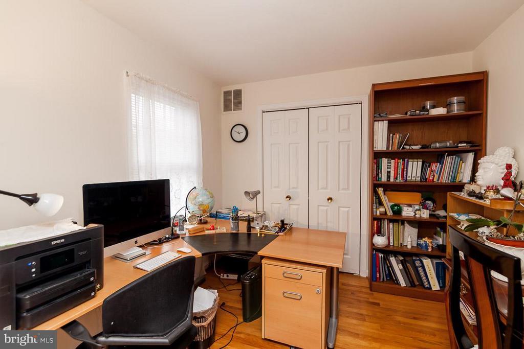 Office - 5202 BRADWOOD ST, SPRINGFIELD