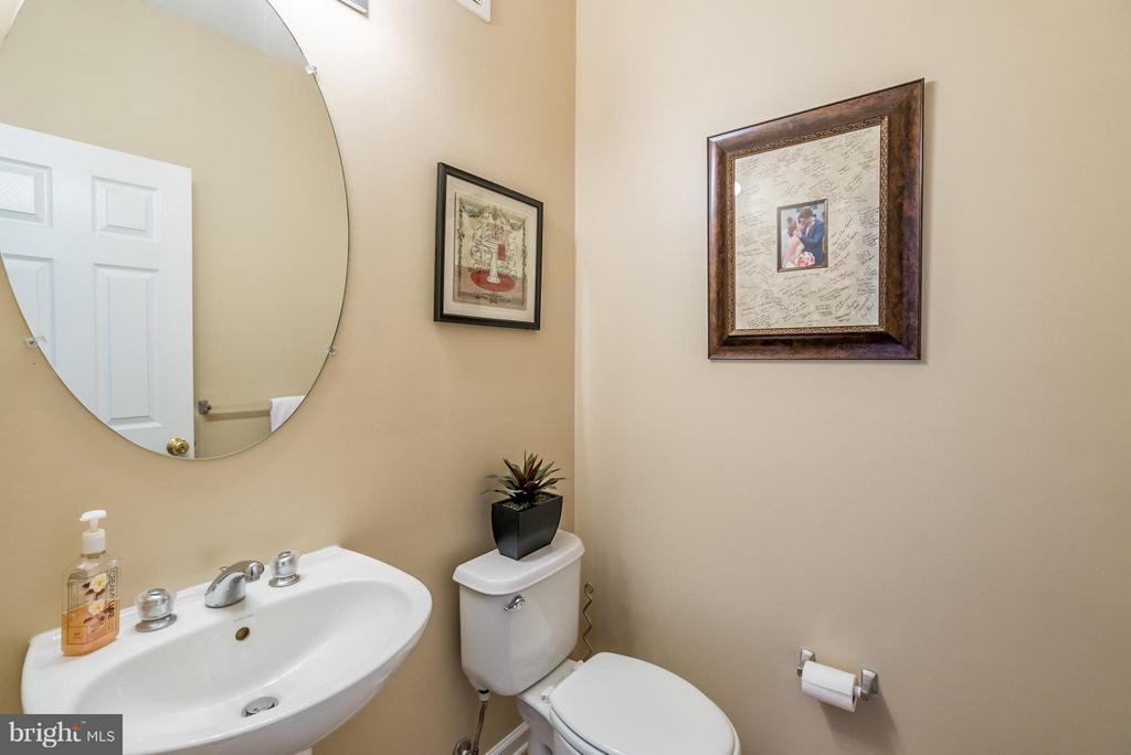 Powder Room - 20385 BELMONT PARK TER #116, ASHBURN