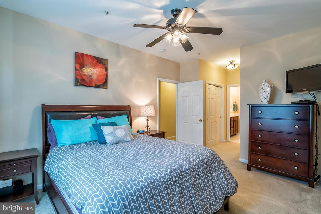Bedroom (Master) - 20385 BELMONT PARK TER #116, ASHBURN