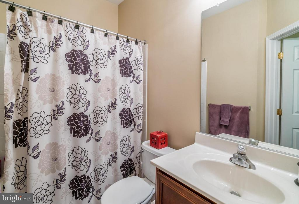 2nd Full Bathroom - 20385 BELMONT PARK TER #116, ASHBURN