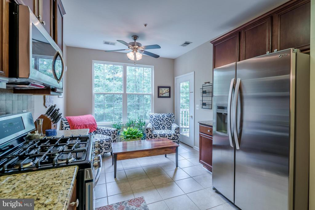 Bright Kitchen with SS Appliances - 20385 BELMONT PARK TER #116, ASHBURN