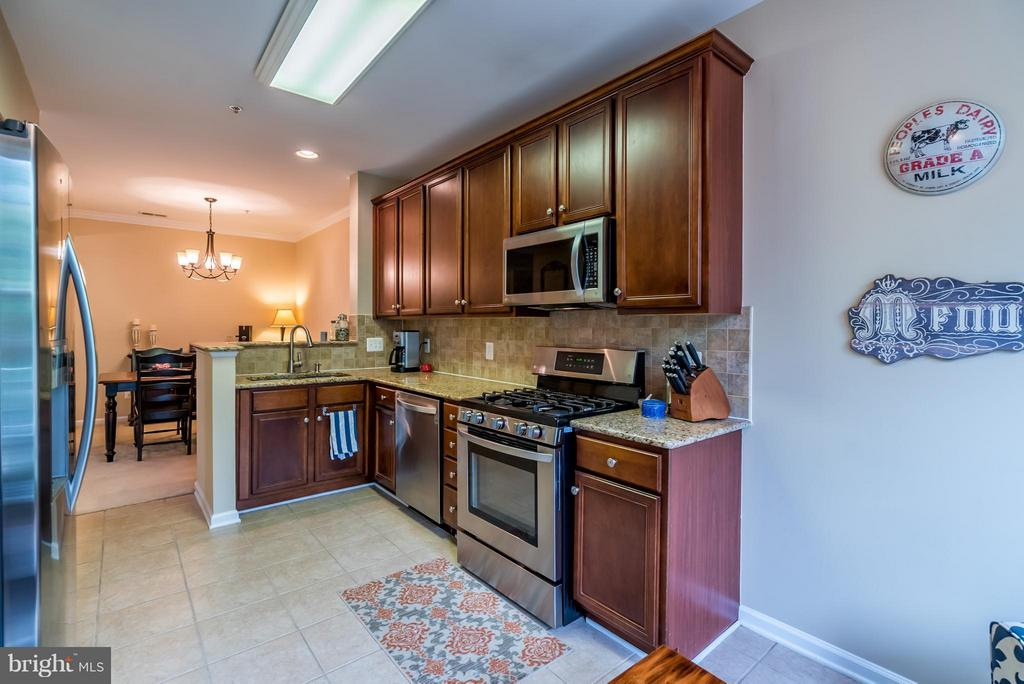 Ceramic Tile and Granite Counters - 20385 BELMONT PARK TER #116, ASHBURN