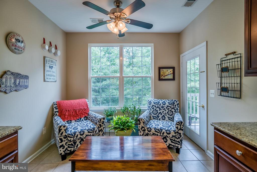 Enjoy Some Coffee or Wine Here! - 20385 BELMONT PARK TER #116, ASHBURN