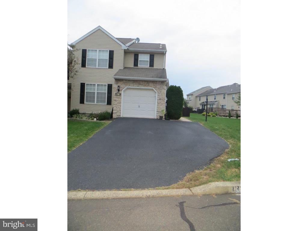 1327 VALLEY DR, Lansdale PA 19446