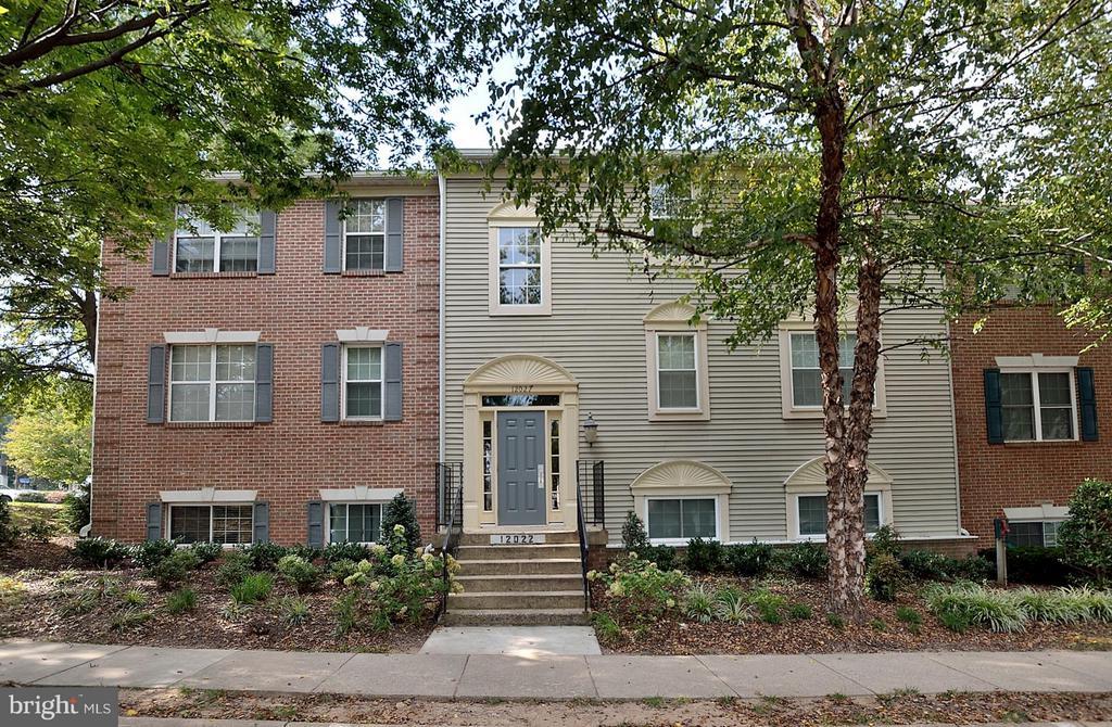 Fairfax Homes for Sale -  Loft,  12022  GOLF RIDGE COURT  302