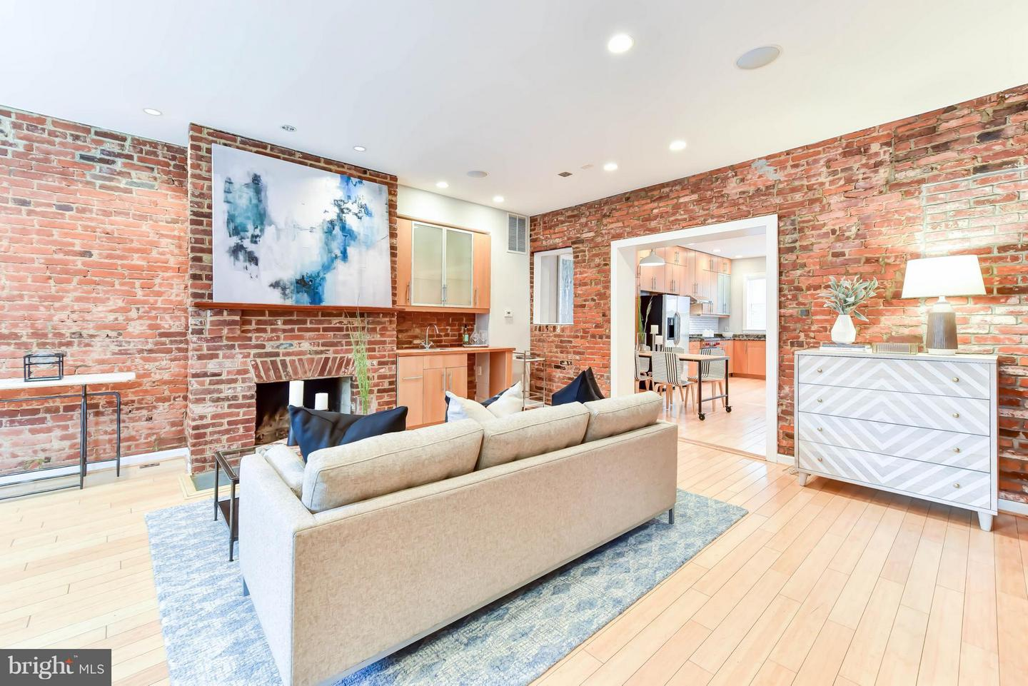 Single Family for Sale at 82 P St NW Washington, District Of Columbia 20001 United States