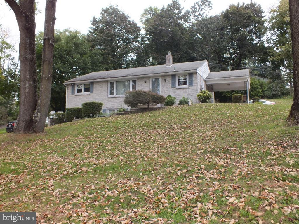 1289 BLEIM RD, Pottstown PA 19464