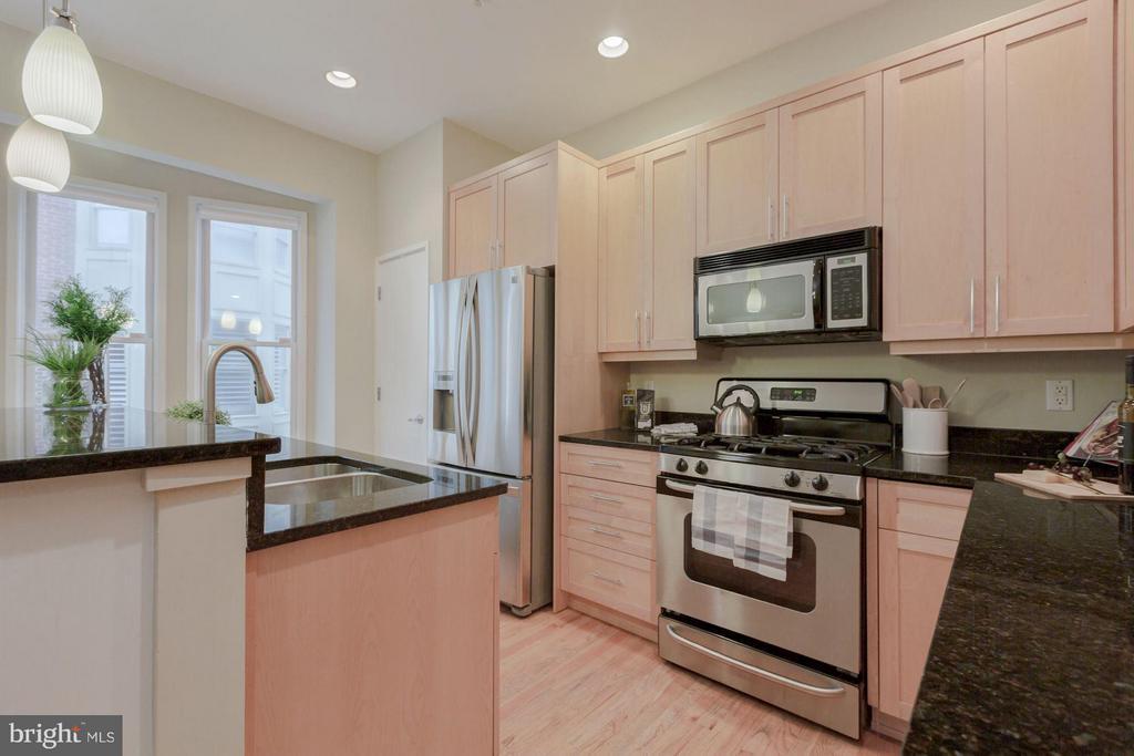 Kitchen - 1823 16TH ST N, ARLINGTON