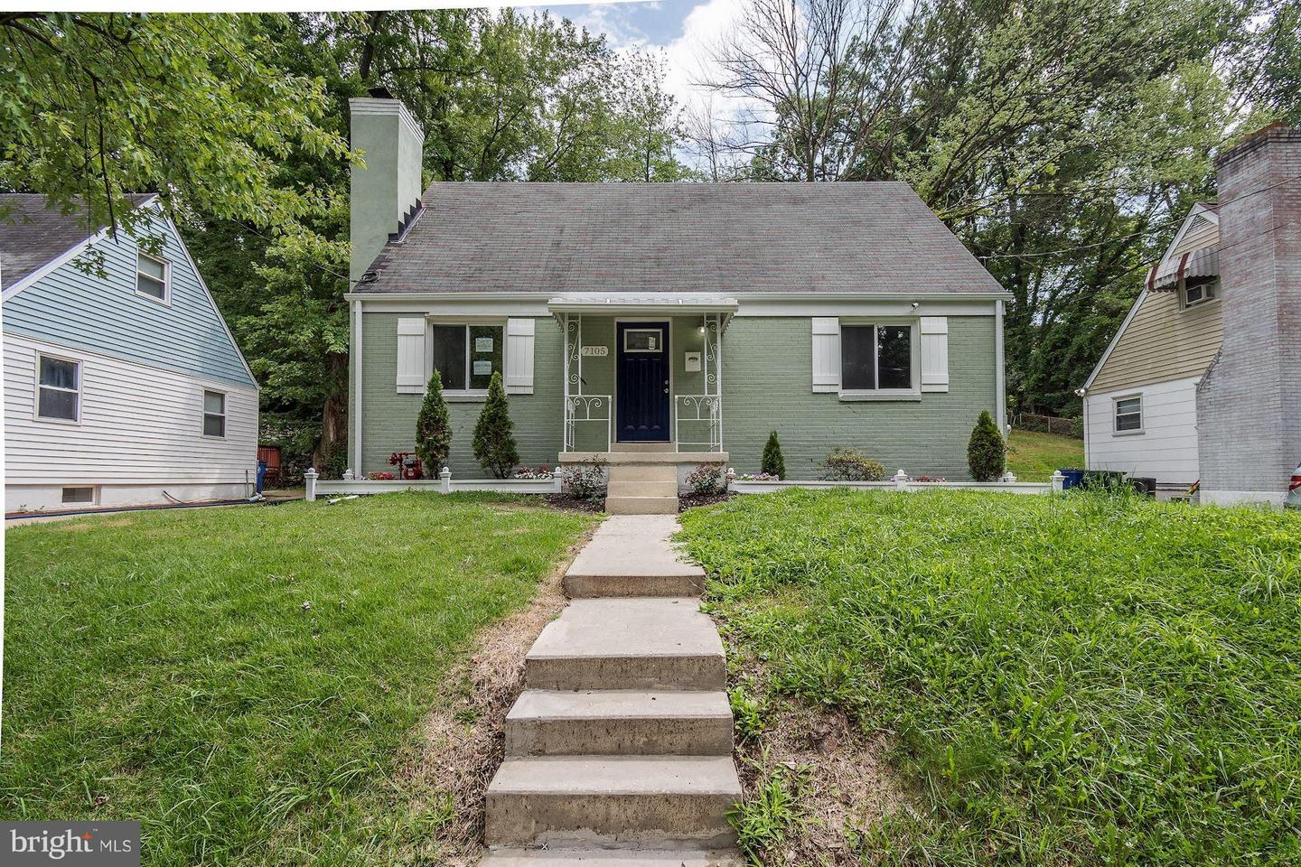 Single Family for Sale at 7105 District Heights Pkwy District Heights, Maryland 20747 United States