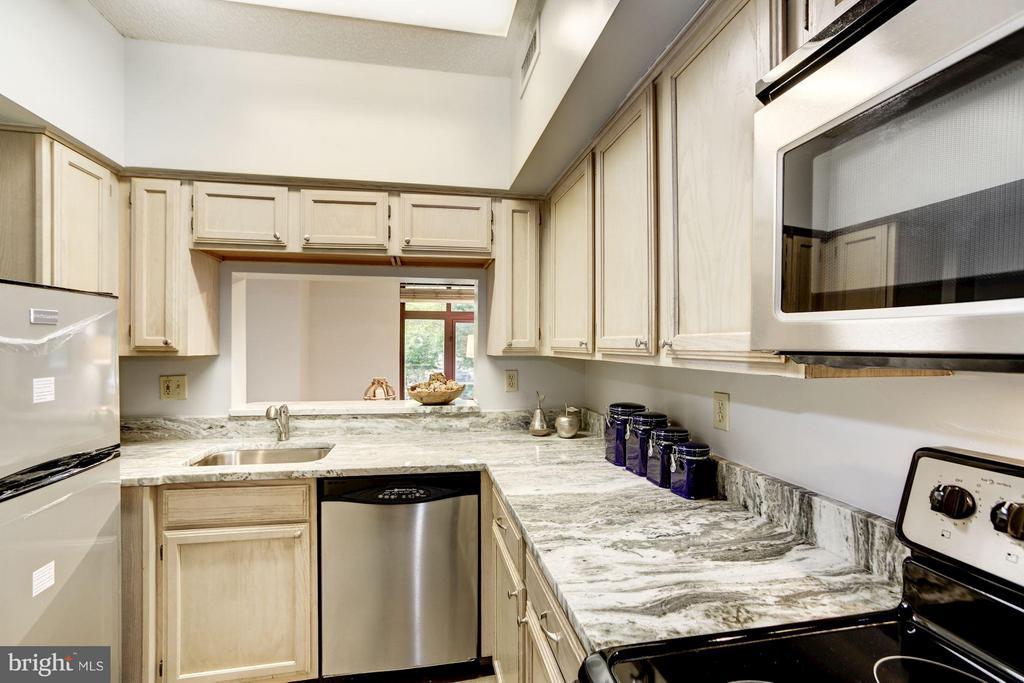 Kitchen - 2400 CLARENDON BLVD #114, ARLINGTON